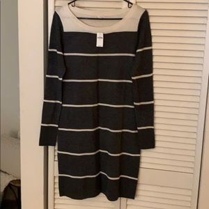 NWT Gap long sleeve midi dress.